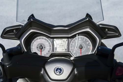 Review: Yamaha XMAX 300 | Product Reviews | Honest John
